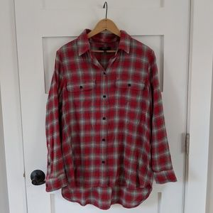 Madewell red grey plaid long sleeve button up top